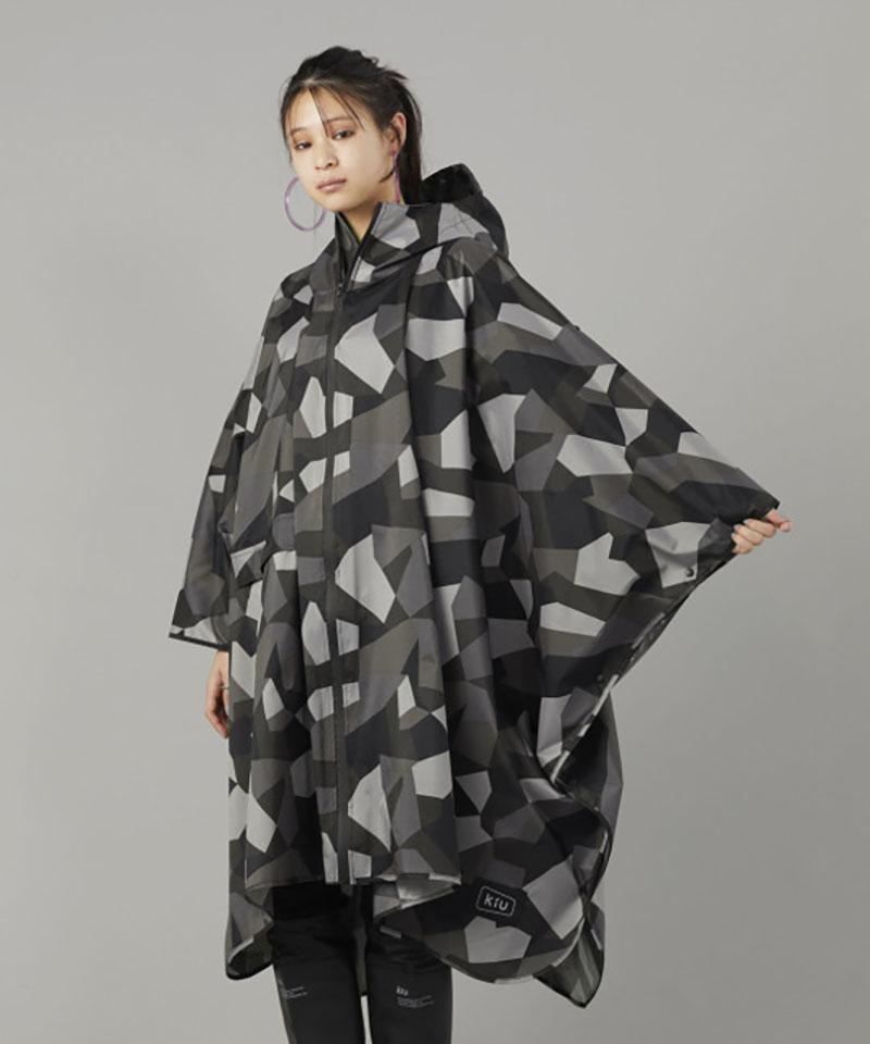 日本KIU 64103 抽象迷彩 空氣感雨衣/親子雨披/防水斗篷 騎車露營必備 附收納袋(男女適用)