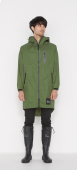 日本KIU 116906 軍綠色 空氣感雨衣/時尚防水風衣 附收納袋(男女適用)