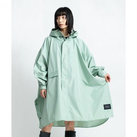 日本KIU 163926 薄荷綠 標準成人空氣感有袖斗篷雨衣 騎車露營必備 附收納袋(男女適用)