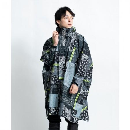 日本KIU 163228 Zakka拼布風 標準成人空氣感有袖斗篷雨衣 騎車露營必備 附收納袋(男女適用)