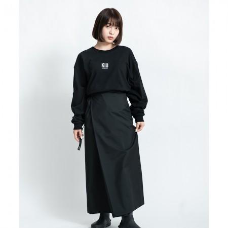 日本KIU 212-900 黑色 抗UV透氣防水裙 內有腰圍調整扣 攤開變野餐巾 附收納袋