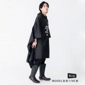 日本KIU  88900 Just get wet!! 黑色 極輕大尺寸 成人斗篷雨衣 騎車露營必備 附收納袋(男女適用)